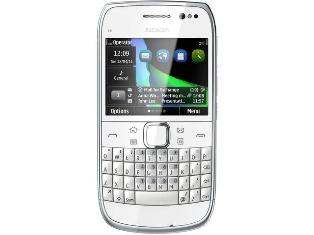 obsah balení Nokia E6-00 White + Nabíjecí sada na kolo Nokia